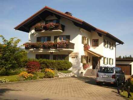 Gepflegte 3-Zimmer-DG-Wohnung mit Balkon, als Urlaubsdomizil in Fischen im Allgäu
