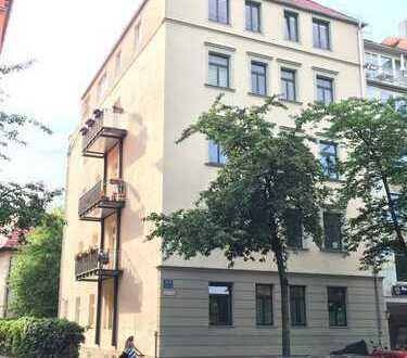 Toprenovierte Altbauwohnung direkt am Südfriedhof zum Erstbezug - Provisionsfrei von Privat