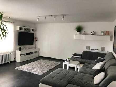Modernisierte 3,5-Zimmer EG-Wohnung mit Balkon und Einbauküche in Waiblingen