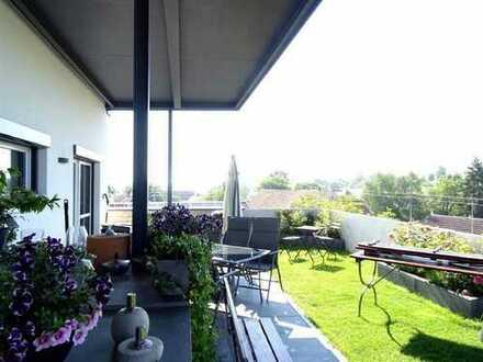 Stilvolle und neuwertige 3-Zimmer-Penthousewohnung mit traumhafter Dachterrasse in Erbach-Bach