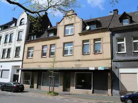 Wohn- und Geschäftshaus mit multifunktionalem Hofanbau