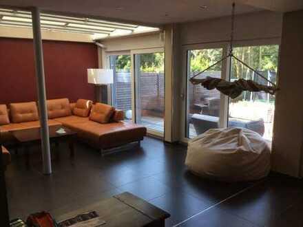Dreifamilienhaus mit Pool und Sauna von Privat