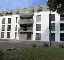 Moderne helle 2-Zimmer-EG-Neubauwohnung mit kleiner Terrasse, Erstbezug, für Personen ab 50 Jahren
