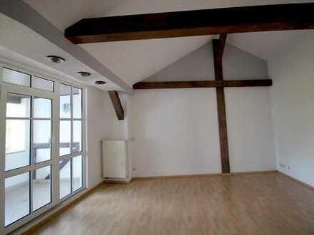 Exklusive Dachwohnung im Loftcharakter mit Loggia