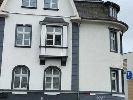 Wunderschöne zentrale 4-5 Zimmer-Wohnung in Uerdingen