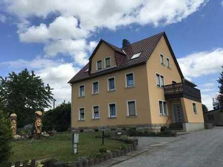 Sanierte 2 - Raumwohnung mit Wannenbad + Fenster, ruhige Lage, Ortskern