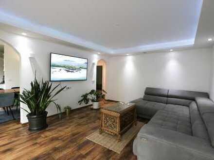 Wohlfühloase! 3,5-Zimmer Eigentumswohnung mit Balkon, Einbauküche und Stellplatz