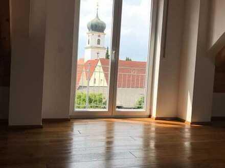 Hochwertige, geräumige 4-Zimmer-DG-Wohnung - IN-Nord