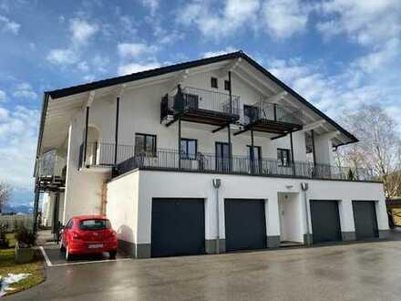 Exklusive, großzügige 2-Zimmer-Wohnung m. Dachterrasse zwischen Chiemsee und Salzburg