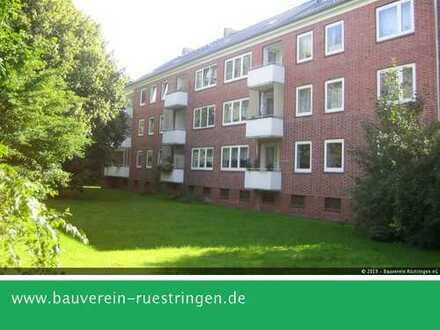 Vier-Zimmer-Wohnung mit Balkon mitten in der Stadt und mit viel Grün drumrum!