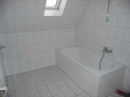 Do-Körne, ruhige Lage, gemütliche 3-Zimmer, KDB, im Dachgeschoss, WG-geeignet !!!