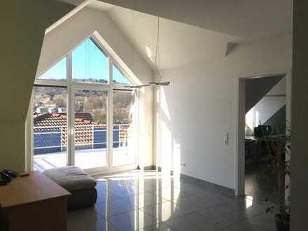 Neuwertige 4-Zimmer-Wohnung mit Balkon und Einbauküche in Markteidenfeld