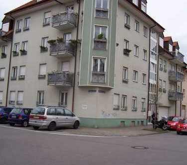 Gepflegte, 3-Zimmer-Wohnung mit Balkon und Einbauküche in Mannheim