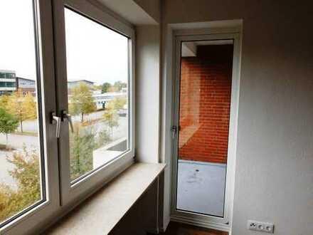 Große 4 - Zimmerwohnung mit 2 Balkonen ! Aufwändig renoviert !