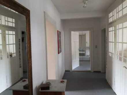 Exklusive 3 (bald 4)-Zimmer-DG-Wohnung in Heidelberg
