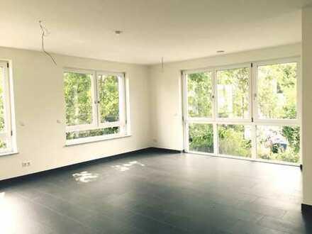 Viel Platz um Ihren Traum vom WOHNEN zu verwirklichen! * Dachterrasse ++ Loggia ++ 2 Bäder *