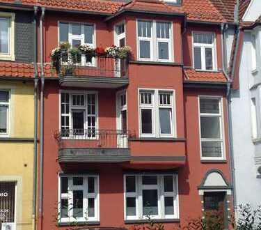 Stilvolle, luxuriöse 6-Zimmer-Jugendstil-Altbauwohnung mit großer Dachterrasse und Wellnessbereich