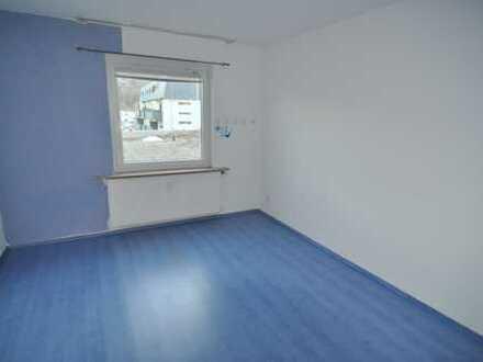Schöne und geräumige 3,5 Zimmer Dachgeschosswohnung im Zentrum von Dettingen/Erms