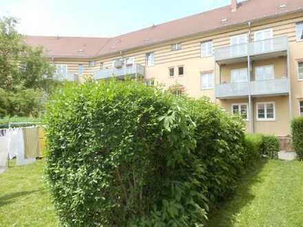 Gemütliche Wohnung, große Wohnküche 3 Zi. in grüner Lage