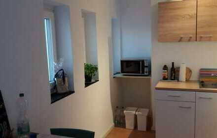 Klein aber fein!Helles, renovierte 1-Zimmer Apartment in zentraler Lage zu vermieten!
