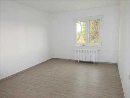 Ruhige 3-Zimmer-Wohnung mit Garage, Garten und Keller in Schwanow