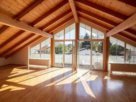 Traumhaftes Ambiente für individuelles Dachgeschoss-Wohnen mit Bergblick