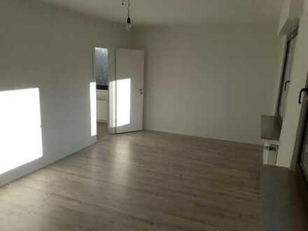 Schöne, helle, geräumige ein Zimmer Wohnung in Hattingen-Bredenscheid