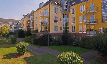 Großzügige 2-Raum-Wohnung: Schöner wohnen, direkt am Rhein. Voll saniert; inkl. Einbauküche