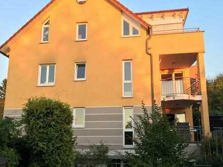 2 Zimmerwohnung - große Terrasse - neu renoviert