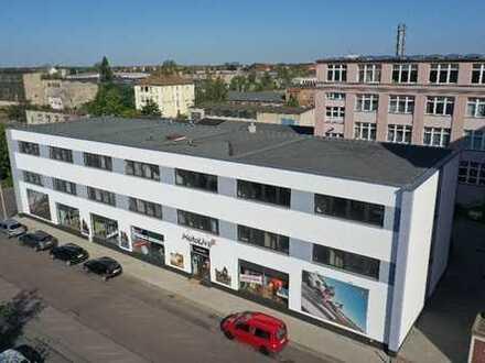 Erstbezug nach Sanierung; 200 bis 500m² Bürofläche auf einer Etage, freie GR-Gestaltung!!