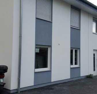 Schöne Doppelhaushälfte im Zentrum von Bielefeld-Jöllenbeck