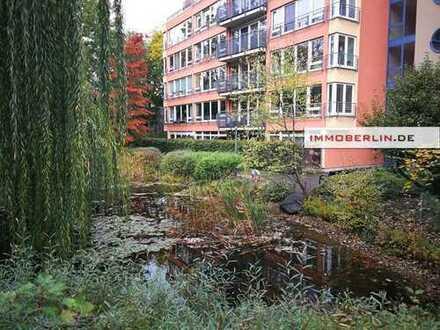 IMMOBERLIN: Lichtdurchflutete Wohnung mit großer Weitblickterrasse in ruhiger Stadtlage