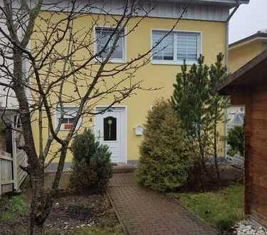 Zentral gelegenes Einfamilienhaus /Reihenhaus mit Terrasse und Garten***Baujahr 2002