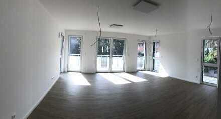 Erstbezug: zwei 4-Zimmer-Wohnungen (EG 110m² mit Terrasse, 1. OG 105m² mit Balkon)