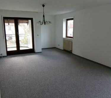 Freundliche 3,5-Zimmer-Wohnung mit Balkon in Neu-Ulm (Kreis)