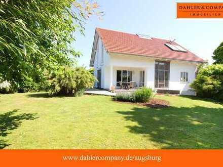 Freistehendes Einfamilienhaus mit großem Garten!  Viel Platz für die ganze Familie!