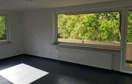 Sonnige 3 Zimmer KDB 92qm Wohnung Balkon
