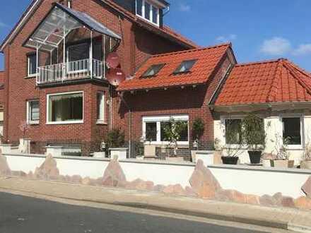 Luxuriöse, geräumige Wohnung mit großem Garten im Herzen von Lindhorst