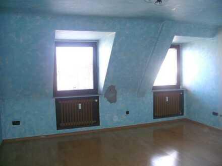 Günstige, gepflegte 3-Zimmer-DG-Wohnung in Mönchengladbach