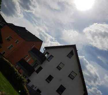 Moderne 4-Zimmer-Wohnung mit Balkon und Einbauküche in Duisburg-Huckingen