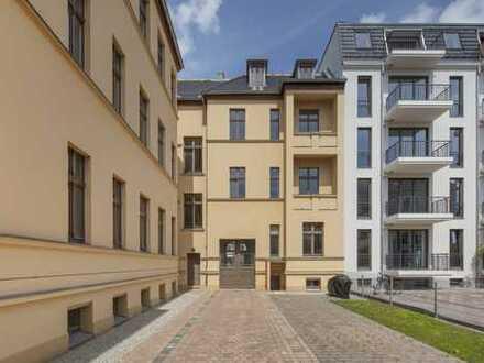 Raum für Ihre individuellen Ideen: Dachgeschoss Rohling mit 600qm Wohnfläche - provisionsfrei!