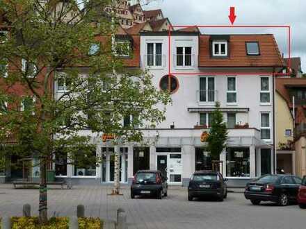 Vollständig renovierte helle 3-Zimmer-Dachgeschosswohnung mit Einbauküche in Altensteig