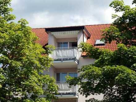 Provisionsfrei für Käufer: Helle 2-Zimmer-Dachgeschoss-Wohnung in ruhiger Lage in Mindelheim