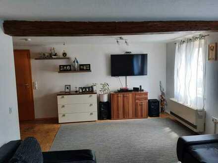 Gepflegte Wohnung mit vier Zimmern und Einbauküche in Rottenburg am Neckar