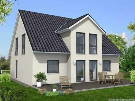 Großzügiges Einfamilienhaus mit idyliischen Grundstück