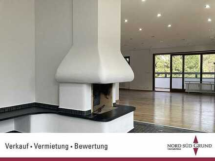 Erstbezug nach Kernsanierung: Moderne 3-Zi.-Maisonette-Whg. ca. 133 m². 2 Balkone.