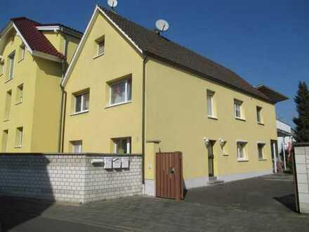 Große 3-Zimmer-Wohnung mit Balkon und Gartennutzung in Rödermark