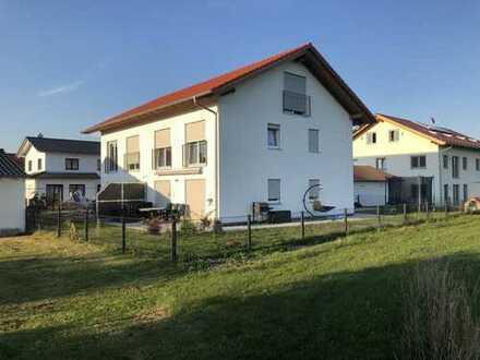 Attraktive DHH mit ansprechendem Garten und TOP Lage im Mühldorfer Norden
