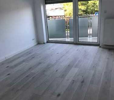 Erstbezug nach Sanierung mit Balkon: freundliche 4-Zimmer-Wohnung in Mannheim