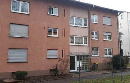 Die etwas andere 5-Zimmer-Wohnung mit Balkon/EBK/Stellplatz